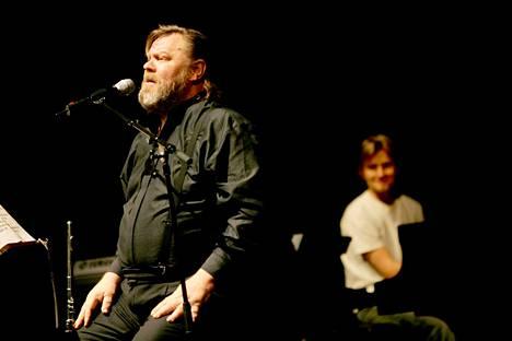 Vesa-Matti Loiri keikalla vuonna 2005.