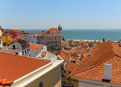 Lentojen hinnoissa on matkustusajankohdasta riippuen suuria eroja. Esimerkiksi Lissaboniin ja takaisin voi nyt ostaa liput noin 120 eurolla.