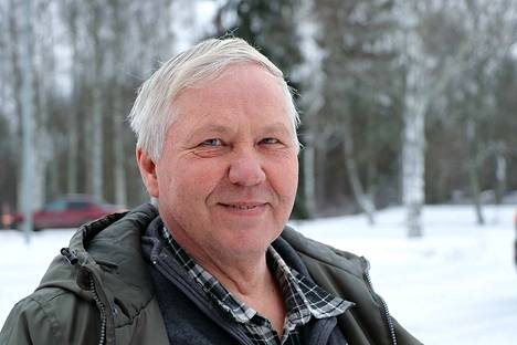 Kokemäen Vasemmistoliiton valtuustoryhmän puheenjohtaja Juhani Oksanen sanoo, ettei Tarja Pitkänen tuonut sunnuntain ryhmäkokouksessa esiin lauantaista aiettaan erota puolueesta.