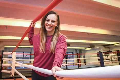 Eva Wahlströmin lauantain vastustajasta povataan seuraavaa naisnyrkkeilyn suurnimeä.