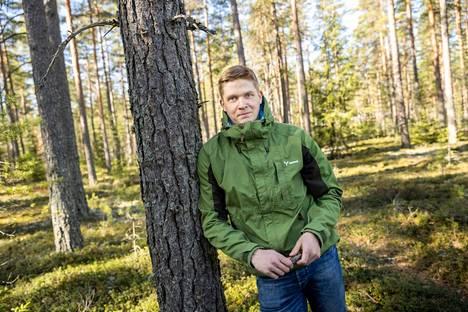 Metsäasiantuntija, metsätalousinsinööri Jussi Reko vastaa Metsä Groupilla Säkylän ja Euran alueiden metsäpalveluista ja puukaupasta. Rekon lapsuudenkoti on maa- ja metsätilalla, joten myös raivaustyöt ja polttopuiden teko ovat tuttua puuhaa. – Tällä alalla ei ole kahta samanlaista päivää.