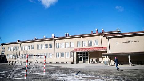 Savosenmäen koulun oppilaskunta jätti kuntalaisaloitteen kaupungille parkour-puistosta.