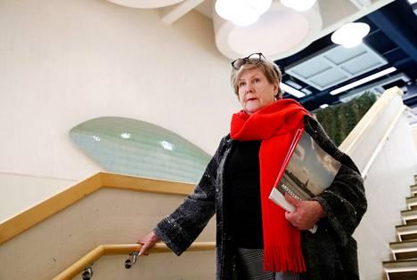 Kaupunginvaltuutettu Kaarina Ranne on seurannut Porin päätöksentekoa jo liki kahdeksan vuoden ajan. Hänen mielestään moni asia tarvitsisi remonttia.