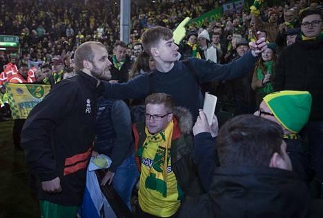 Teemu Pukki nousi hurjalla maalivireellään Norwich-fanien suosioon. Sarjaporrasta ylempänä maalinteko luonnollisesti vaikeutuu.