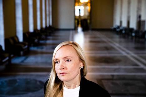 Sisäministeri Maria Ohisalo saattaa tuoda Kirsi Pimiän nimityksen sisäministeriön kansliapäälliköksi valtioneuvostoon jo torstaina.