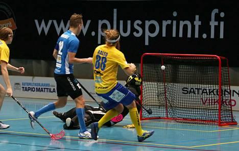 Eero Vanhatalo iski lauantaina kaikkiaan neljä maalia.