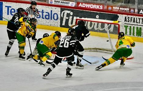 Jenna Lehtiniemi viimeisteli Ilveksen 1–0-maalin.