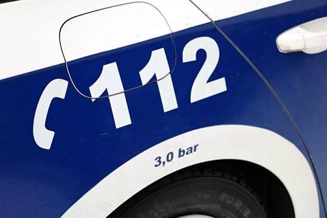 Poliisi kutsuttiin paikalle ja partio tapasi autoa ajaneen nuoren miehen, jolle tehtiin huumausainepikatesti.
