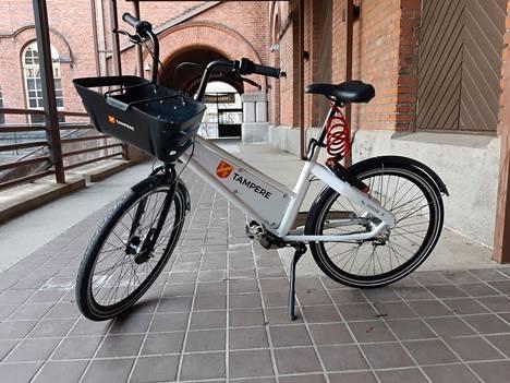 Tampereen kesän kaupunkipyörän mallikappaletta esiteltiin aiemmin. Pyörän lopullisen ulkoasun näet jutusta.