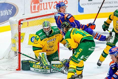 Ilveksen ykkösmaalivahti Marek Langhamer on loukkaantumisen vuoksi sivussa 8–12 viikkoa.