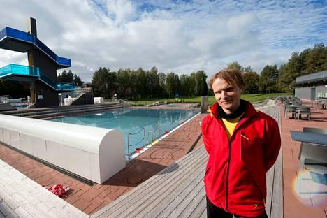 Uinninvalvoja Mikko Malinen sanoo, että kun väkeä on paljon, pitää valvoa tilannetta monella suunnalla.