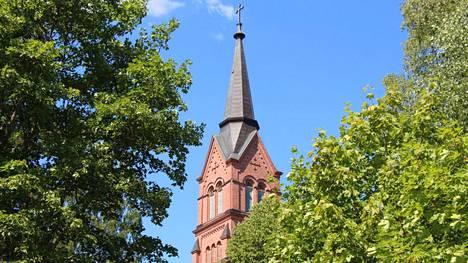 Keuruun ja Multian yhteisen kirkkoherran virkaan ilmoittautui kaksi hakijaa, joista tuomiokapituli katsoi vain toisen hakukelpoiseksi. Keuruun kirkkoneuvosto esittää kirkkovaltuuston päätettäväksi tiistaina hakuajan jatkamispyyntöä tuomiokapituliin.