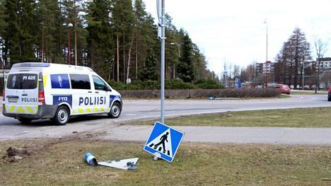 Poliisi ajoi takaa huumausaineiden vaikutuksen alaisena ollutta autoilijaa Mäntässä maanantain ja tiistain välisenä yönä.