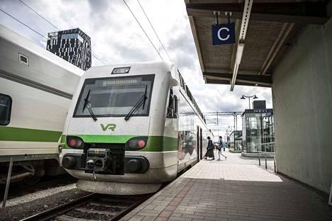 Lähijunaliikenteen lisääminen vaatii rahoitusta ja lisää tilaa raiteille.