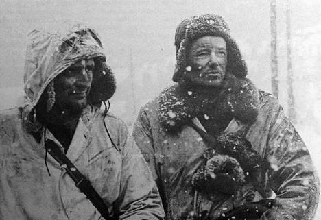 Taistelua se oli talvisotaa kuvaavan elokuvan Talvisota avustajanakin toimiminen, muistelevat Tapani Miilunpohja, vasemmalla ja Tuomo Riihonen.