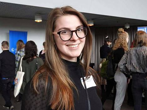 Saana Ylikruuvi iloitsee pääsystä Suomen Opettajaksi Opiskelevien liiton hallitukseen.