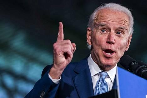 Joe Bidenin mahdollisuudet päästä demokraattien presidenttiehdokkaaksi vahvistuivat merkittävästi tiistaina järjestetyissä esivaaleissa.