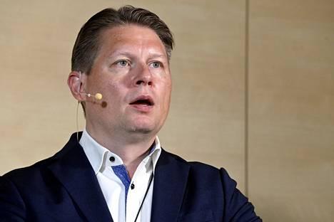 Finnairin toimitusjohtaja Topi Manner esitteli yhtiönsä puolivuosikatsauksen Vantaalla 15. heinäkuuta.