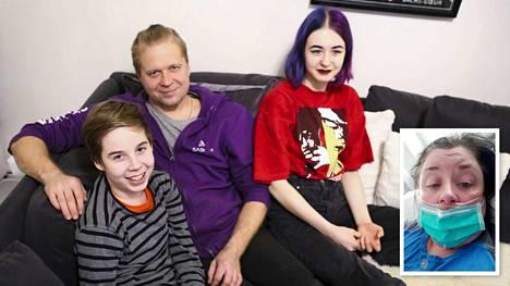 Valkeakoskelainen Jani Turpeinen (keskellä) kertoo, kuinka hänen vaimonsa Maija (kuvassa alhaalla oikealla) meni todella huonoon kuntoon koronaviruksen seurauksena. Kuvassa myös lapset Sauli ja Sonja. Kuva on otettu marraskuussa 2019.