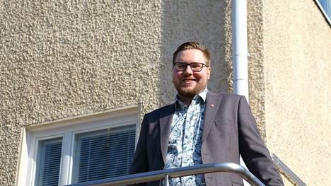 Mikko Latvalan valittiin Petäjäveden kunnanjohtajaksi yksimielisesti.
