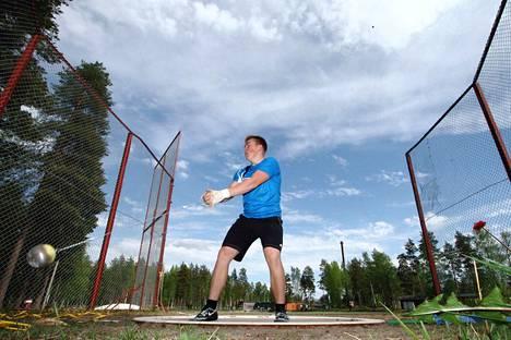 Aaron Kangas otti kauden kotimaisen kärkituloksen nimiinsä. Kankaanpääläinen kiskaisi uuden ennätyksensä 74,40.
