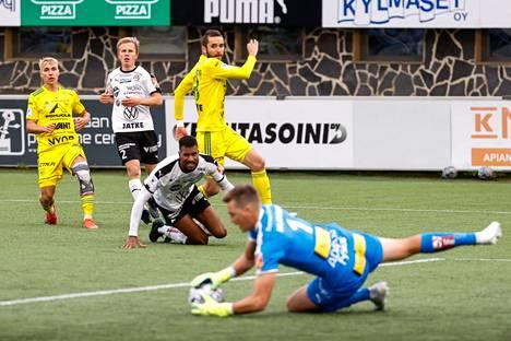 FC Haka ja Ilves taistelivat paikallisderbyssä lauantaina Tehtaan kentällä Valkeakoskella 18. syyskuuta.