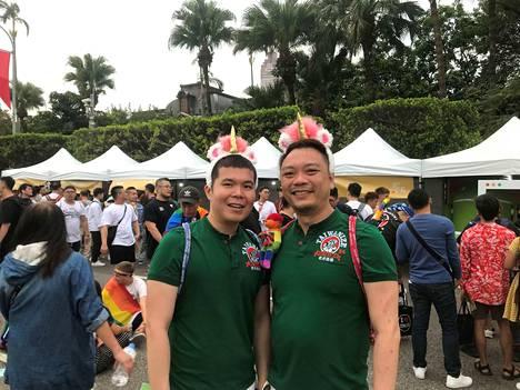Thomas Soo ja Sean Kok toivovat, että samaa sukupuolta olevat saisivat oikeuden avioliittoon myös Singaporessa.