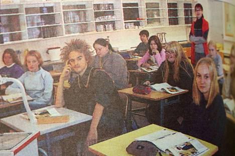 Kiukaisten lukion abiturientit sekä ensimmäistä vuotta lukiossa opiskelevat nuoret opiskelivat ranskaa Harjavallassa. Edelliskeväänä Kiukaisten lukioon oli haettu ranskankielen taitoista opettajaa, mutta hakemuksia ei tullut yhtään.