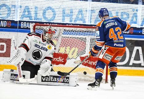 Suomessa eniten sponsorirahaa kerää jääkiekko.