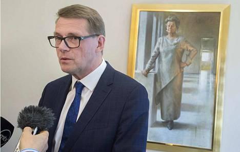 Eduskunnan puhemies Matti Vanhanen jää pian sairauslomalle.