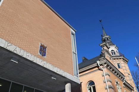 Rauman kaupunginvaltuustoon kesäkuun vaaleissa ehdolla yhteensä 194 ehdokasta.