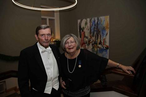Ilkka Juusela edusti Linnassa Satakunnan kirjallista kerhoa yhdessä vaimonsa Marjatta Juuselan kanssa.