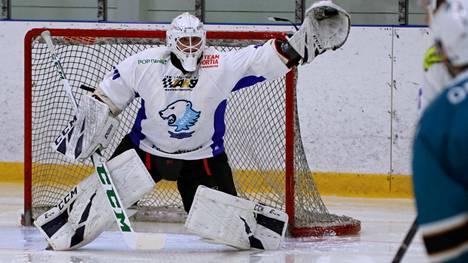 Jääkarhujen varmaotteisen Tomi Huidan ja kaikkien muiden KJK:n 172 pelaajan ja 16 taitoluistelijan joulutauko alkoi koronan vuoksi odotettua aikaisemmin.