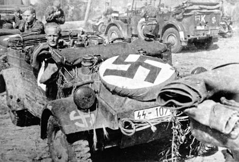 Ulkomaalaisista vapaaehtoisista koottu SS-Divisioona Wiking hyökkäsi kohti Ukrainaa vuonna 1941. Divisioonassa palveli noin 1400 suomalaista.