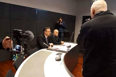 Arvokuljetusryöstön oikeudenkäynti alkoi Turussa maanantaina.