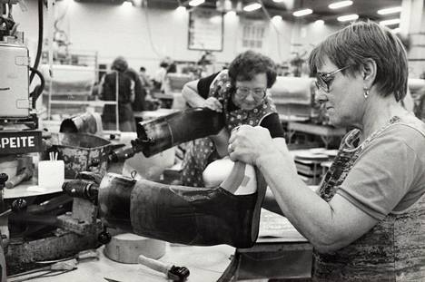 Nokian kumitehdas työntekijöiltä vuodelta 1981.