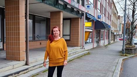 Satu Järvinen ja talkooryhmä tempaisevat ja järjestävät kierrätyshenkisen tapahtuman Kauppalantalolla Puistokatu 10:ssä lauantaina 23. lokakuuta.