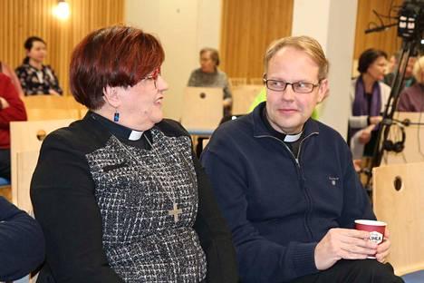 Joko Anna-Kaisa Hautalasta tai Mika Kyytisestä tulee seuraava Kankaanpään seurakunnan kirkkoherra.