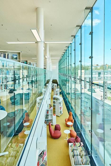 Uusi kirjasto- ja kulttuuritalo Virran näyttelyihin kannattaa tutustua, mutta myös itse rakennus on näkemisen arvoinen kohde.