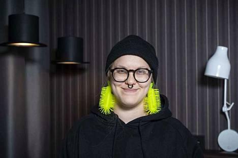 Keuruulaislähtöinen, nykyään Helsingissä asuva, Emma häädettiin ensimmäisenä BB-talosta.
