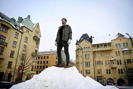 Yhdysvaltalainen elokuvayhtiö XYZ Films jatkaa elokuvatuotantoja Suomessa. Tuottaja Aram Tertzakian oli erittäin tyytyväinen Dual-elokuvan kuvauskokemukseen Tampereella.