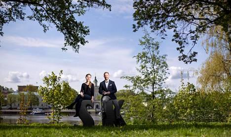 Satakunnan Kansan toimittajat Veera Reko ja Kimmo Lehto juonsivat suoran lähetyksen, jossa paljastettiin Porin ja Rauman puoluekannatusmittaukset.