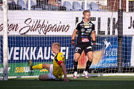 Hakan uusi maalivahti Jakob Tånnander palaa kokoonpanoon, tässä kuvattuna KuPS-pelissä 14. elokuuta.