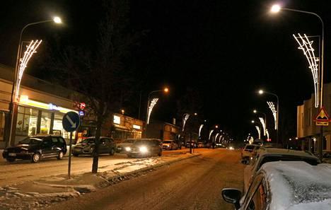 Tänä vuonna sekä Mäntän että Vilppulan joulunavaus-tapahtumien aikana katuja ei ollut suljettu tapahtumien ajaksi liikenteeltä, kuten aiempina vuosina.