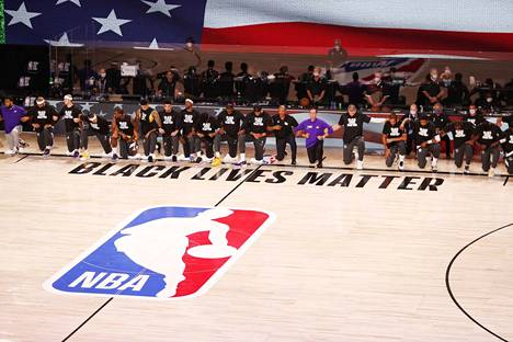Los Angeles Lakers kohtasi Los Angeles Clippersin.