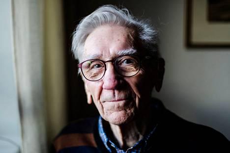 Raimo Seppälä työskenteli vuosikymmenet Aamulehdessä. Päätoimittajan Seppälä oli vuosina 1991–1995. Kuvassa Seppälä kotonaan tammikuussa viime vuonna.