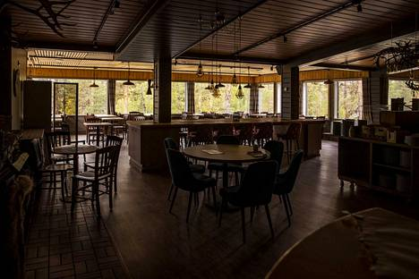 Uudet ravintolarajoitukset ovat olleet voimassa 8. lokakuuta lähtien. Niiden perusteella ravintolat joutuvat lopettamaan anniskelun ja sulkemaan aiempaa aikaisemmin ovensa.