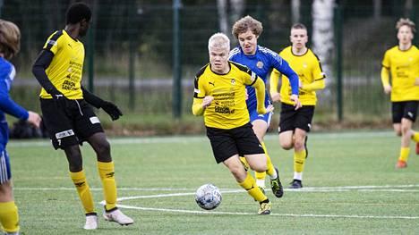 KuPS pelasi tasapelin Pallo-Iirojen kanssa Kai Pahlman -turnauksen avauspäivänä.