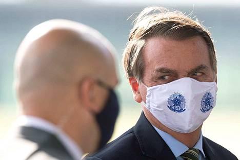 Brasilia on nyt yksi koronaviruksen nopeimman leviämisen paikoista. Vähättelevästi koronavirukseen suhtautunut Brasilian presidentti Jair Bolsonaro on erottanut yhden terveysministerinsä ja toinen erosi itse, kun presidentti avasi maan rajoituksia terveysministeriön suosituksien vastaisesti.