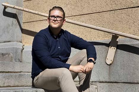 Liiketalouden opintojaan viimeistelevä, pankissa työskentelevä Tuomo Murtonen, 24, innostui sijoittamisesta reilu pari vuotta sitten. Nyt Murtosella on suunnitelma, jonka avulla hän voisi tahtoessaan irtaantua työelämästä 54-vuotiaana.